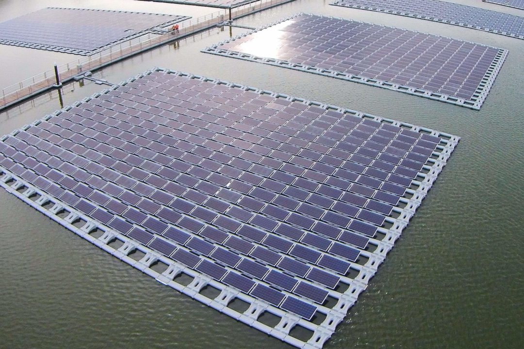 https://universalkraft.com/wp-content/uploads/2018/09/floating-project-in-an-industrial-area-pingtung-1080x720.jpg