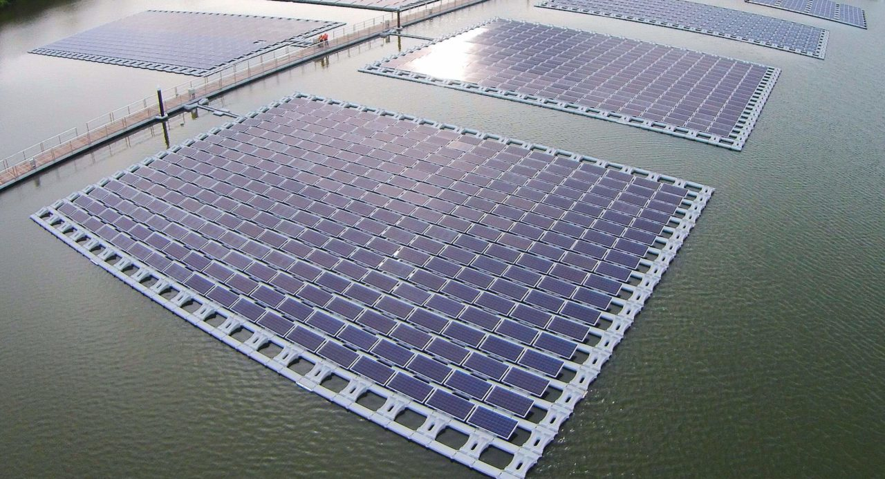 https://universalkraft.com/wp-content/uploads/2018/09/floating-project-in-an-industrial-area-pingtung-1280x693.jpg