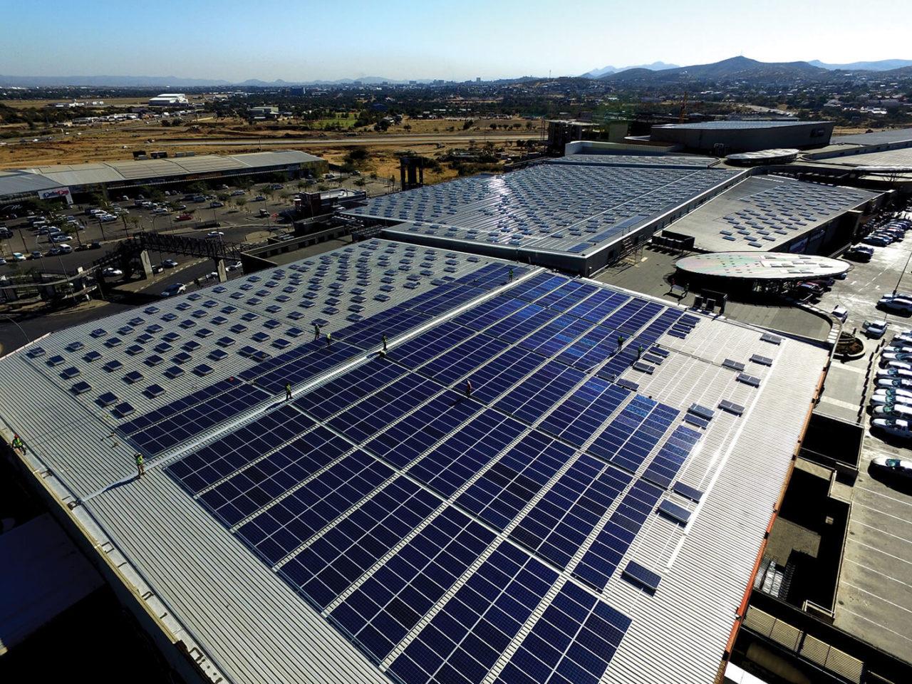 https://universalkraft.com/wp-content/uploads/2018/09/rooftop-solar-shopping-copenhagen-1280x960.jpg